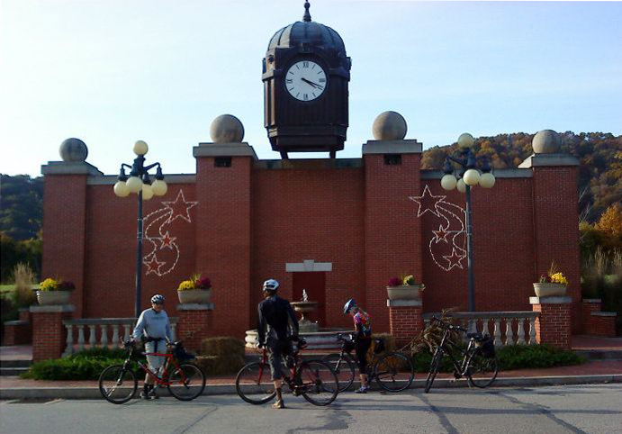 arrnstrong-trail-clock-tower-ford-city-11-23-2011.jpg
